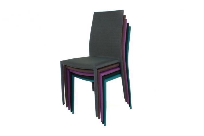 Lot de 4 chaises liloo gris fonc design pas cher sur - Lot de 4 chaise pas cher ...