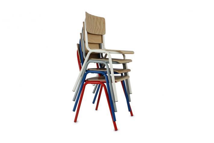 lot de 4 chaises ecolier gris design pas cher sur sofactory. Black Bedroom Furniture Sets. Home Design Ideas