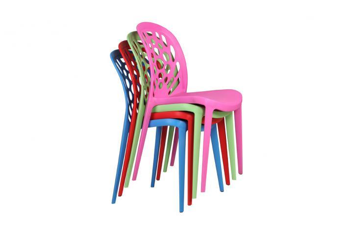 Lot de 4 chaises empilables bucolik rouge design sur sofactory for Chaises plastique pas cher