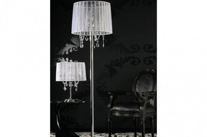 lampe baroque avec pampille blanc aprile d co design sur sofactory. Black Bedroom Furniture Sets. Home Design Ideas