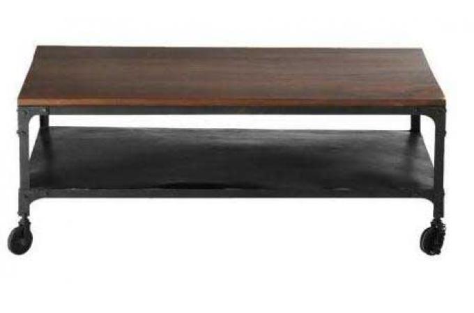 Table basse industrielle roulettes en bois movea for Table basse carree bois pas cher